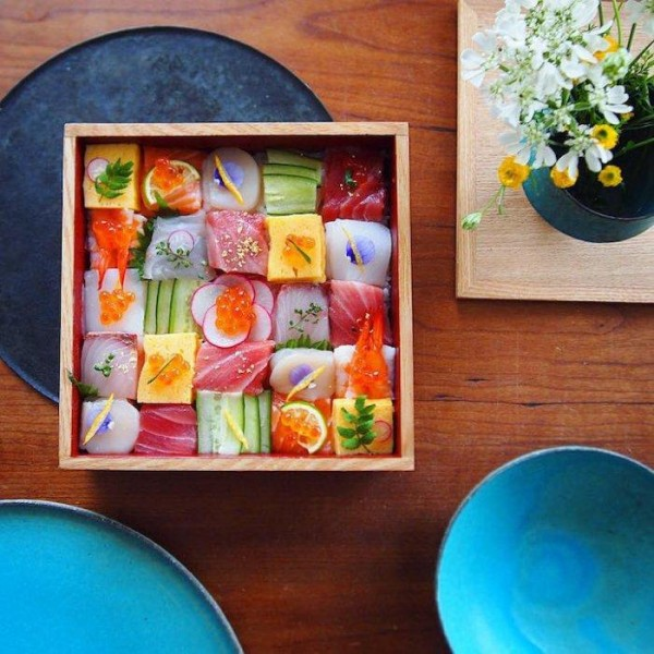 Мозаичные суши-сеты: новый тренд фуд-фото